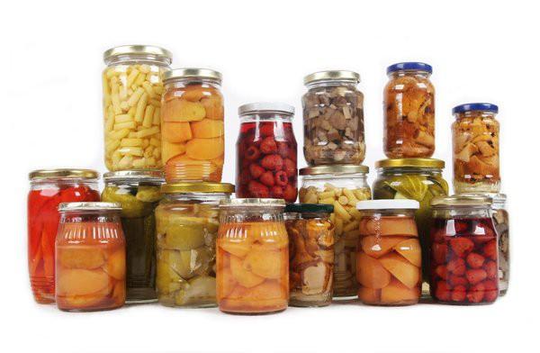 Để ngâm hoa quả nên lựa chọn bình thủy tinh như thế nào?