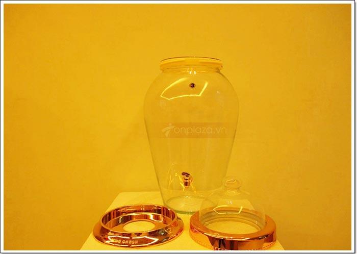 Sản phẩm bao gồm nắp thủy tinh và nhựa, thân bình và đế.