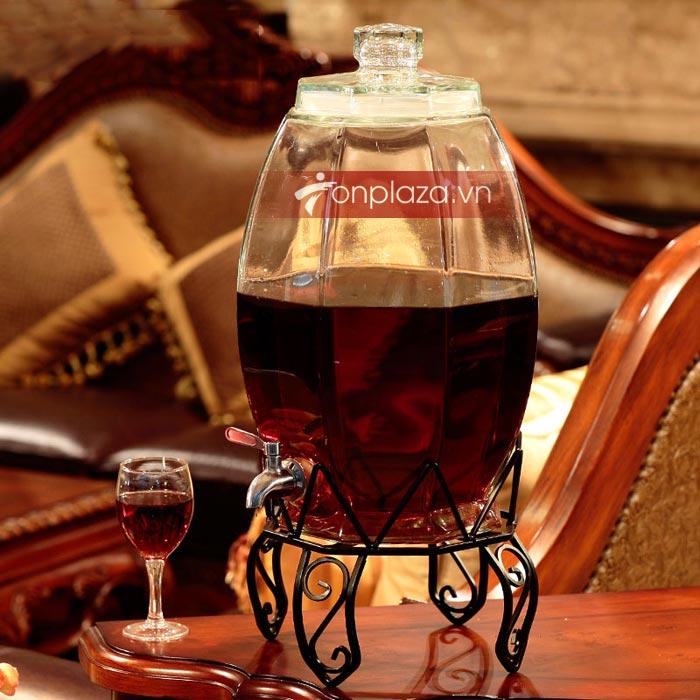 bình thủy tinh để ở phòng khách