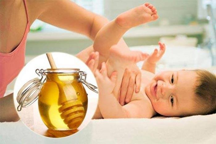 Dùng mật ong có giảm triệu chứng táo bón ở trẻ em không